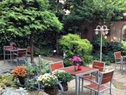 The garden of Hotel van Walsum
