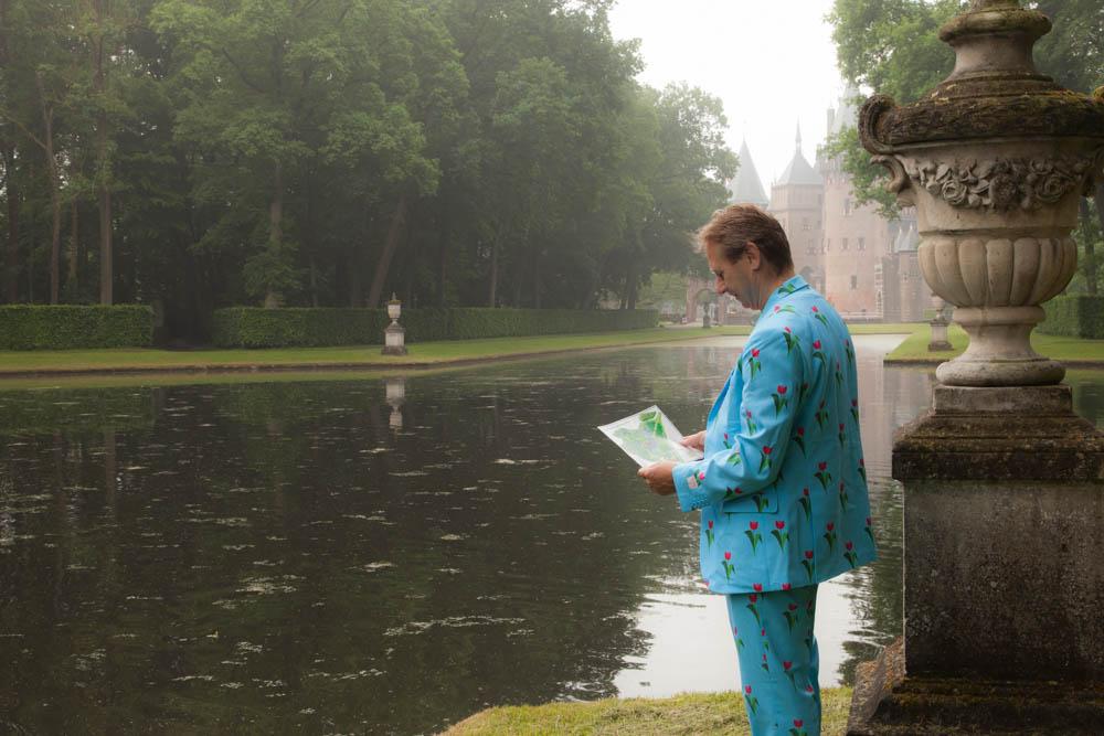 Walking the gardens of Castle De Haar