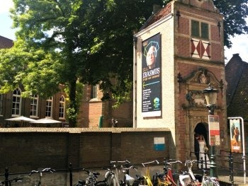 Entrance to Gouda museum. Also popular for wedding pictures