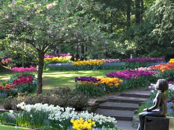 Wouldn't these gardens look nice in summer as well?
