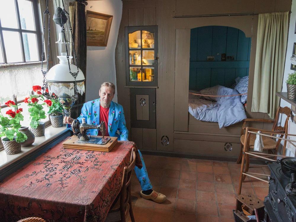 The tiny livingroom in Windmill museum Nederwaard
