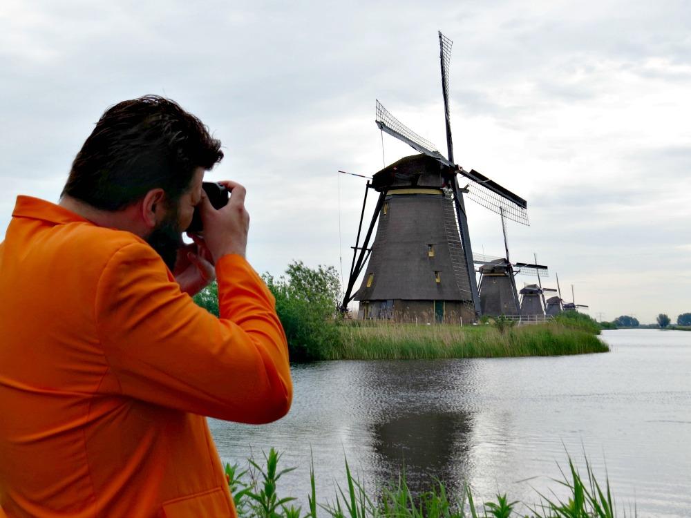 Taking pictures of the windmills in Kinderdijk