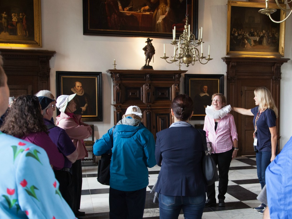 Guided tour in through the Dutch Golden Age in Muiderslot castle