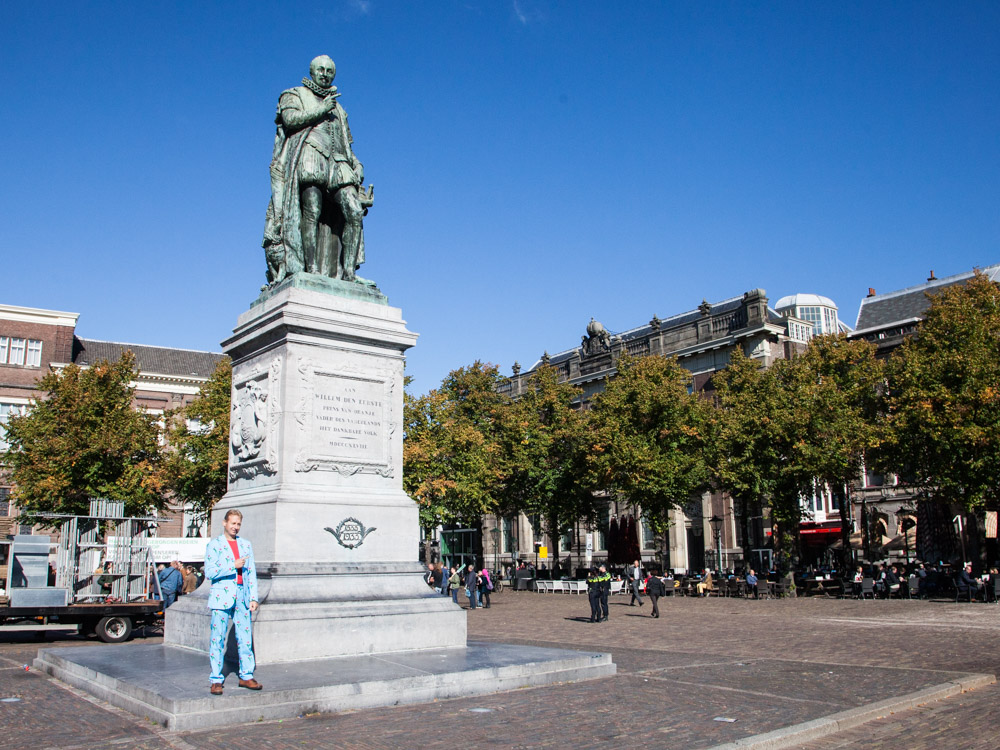 Het Plein - The Square with the statue of William the Silent